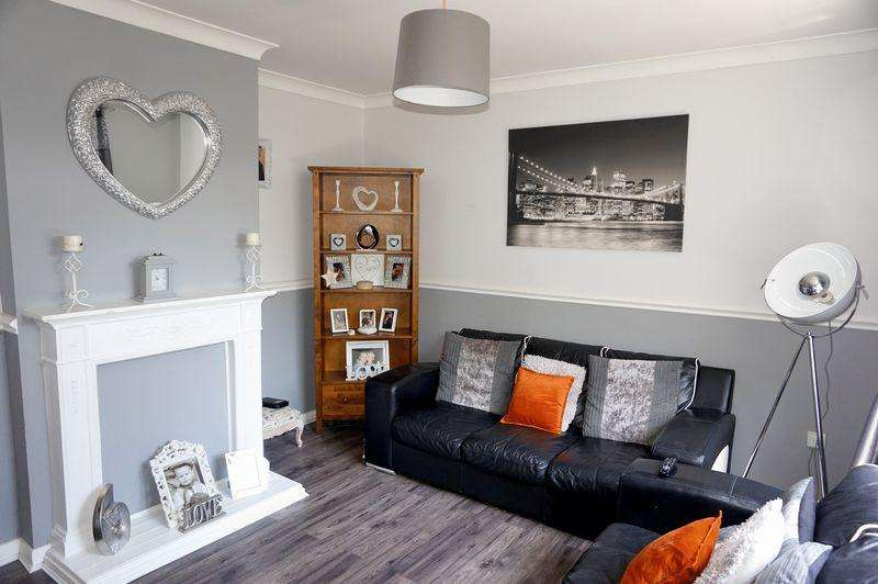 3 Bedrooms End Of Terrace House for sale in Dursley Gardens, London