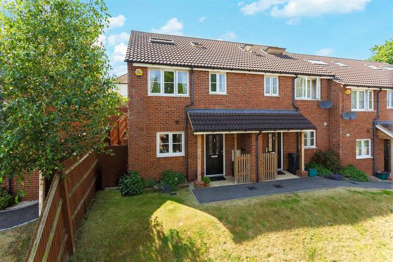 3 Bedrooms Terraced House for sale in Windrush Court, High Wycombe