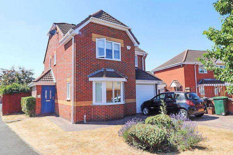 4 Bedrooms Detached House for sale in Keyte Close, Tipton