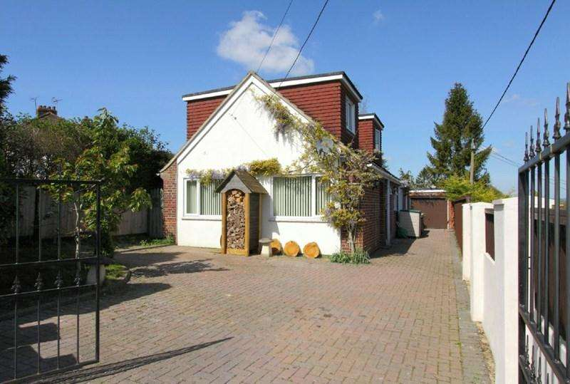 4 Bedrooms Detached House for sale in Belmont Road, Andover