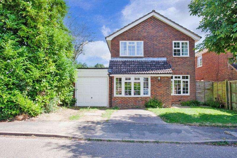 4 Bedrooms Detached House for sale in Burleigh Piece, Buckingham