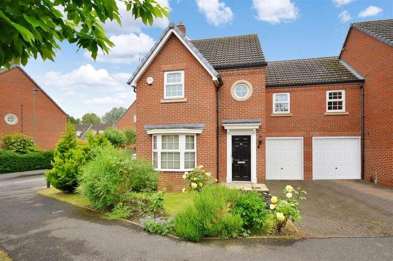 4 Bedrooms Semi Detached House for sale in Langstone Ley, Welwyn Garden City