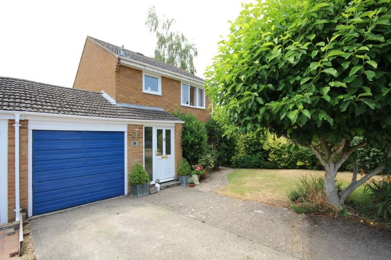 3 Bedrooms Link Detached House for sale in Hurst Park Road, Twyford, RG10