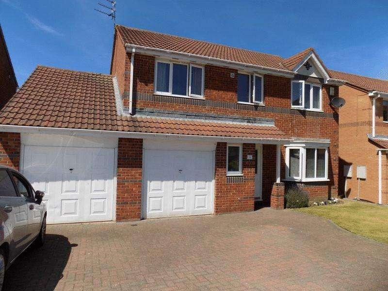4 Bedrooms Detached House for sale in Ayton Court, Bedlington