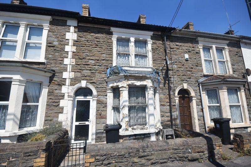 2 Bedrooms Terraced House for sale in Woodland Terrace Kingswood