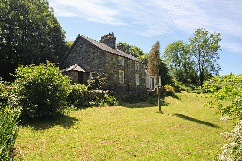 4 Bedrooms Detached House for sale in Llanddeiniolen, Caernarfon