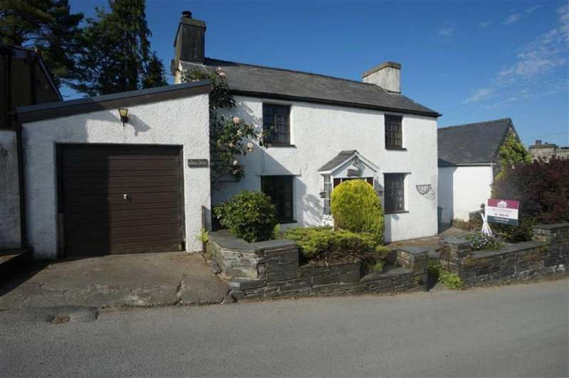 2 Bedrooms Detached House for sale in High Street, Dolwyddelan, Betws Y Coed