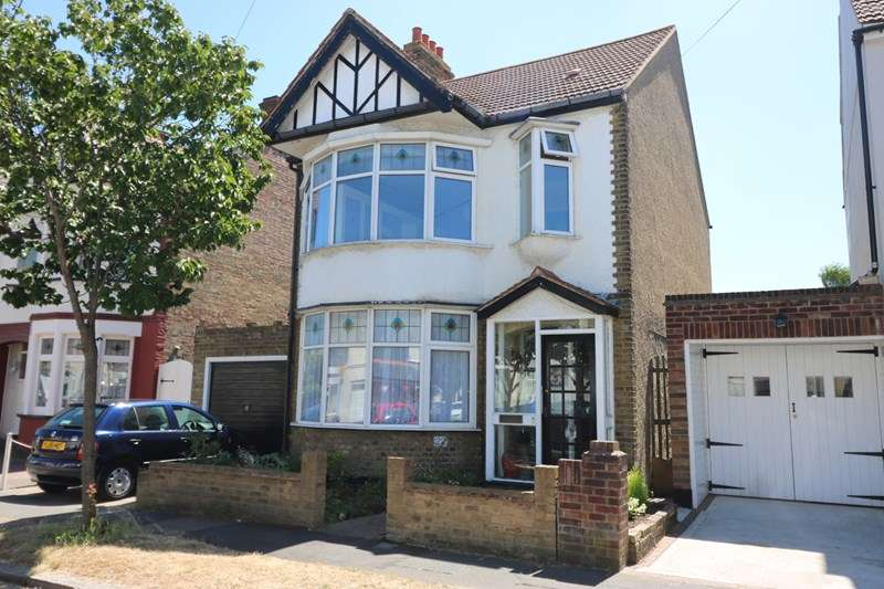 3 Bedrooms Detached House for sale in Edith Road, Southend-On-Sea