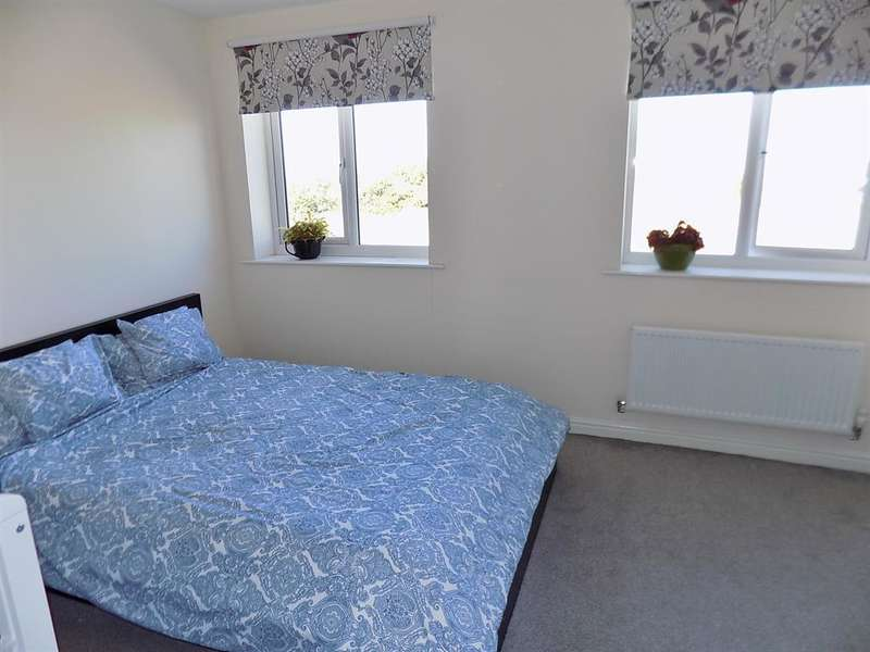 3 Bedrooms Town House for sale in Greatham Avenue, Whitewater Glade, Stockton-on-Tees, TS18 2QB
