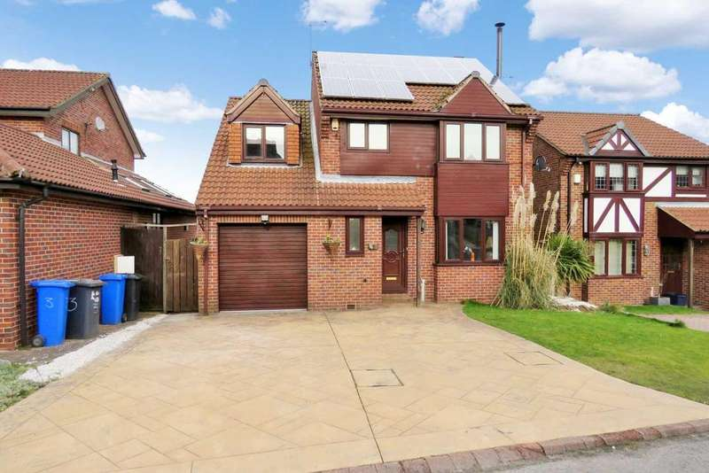 4 Bedrooms Detached House for sale in Bishopdale Court Ridgeway Heights, Sheffield, S20 5PD