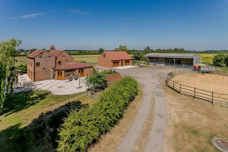 4 Bedrooms Equestrian Facility Character Property for sale in Moor Farm, Tillbridge Lane, Sturton By Stow, Lincoln, LN1