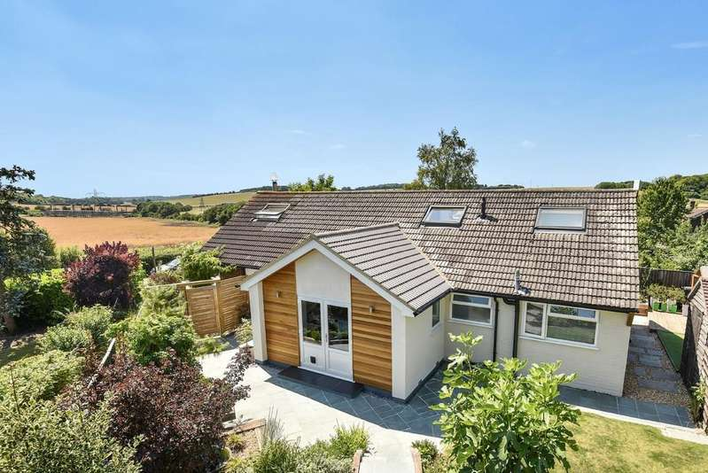 5 Bedrooms Detached House for sale in Old Kennels Lane, Olivers Battery, Winchester