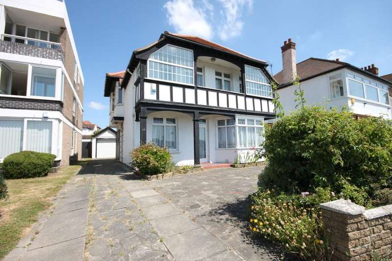 4 Bedrooms Detached House for sale in Chalkwell Esplanade, Westcliff-on-Sea