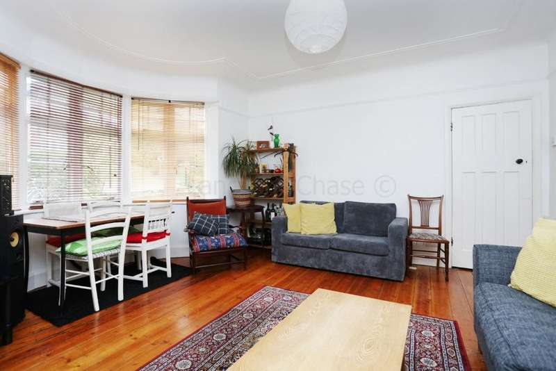 3 Bedrooms Flat for sale in Bramshill Gardens, Highgate, NW5