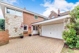 4 Bedrooms Detached House for sale in Mountsfield Close, Maidstone, Kent