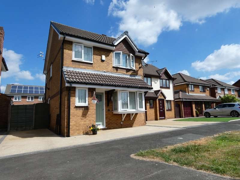 3 Bedrooms Detached House for sale in Peregrine Crescent, Manchester, Greater Manchester, M43