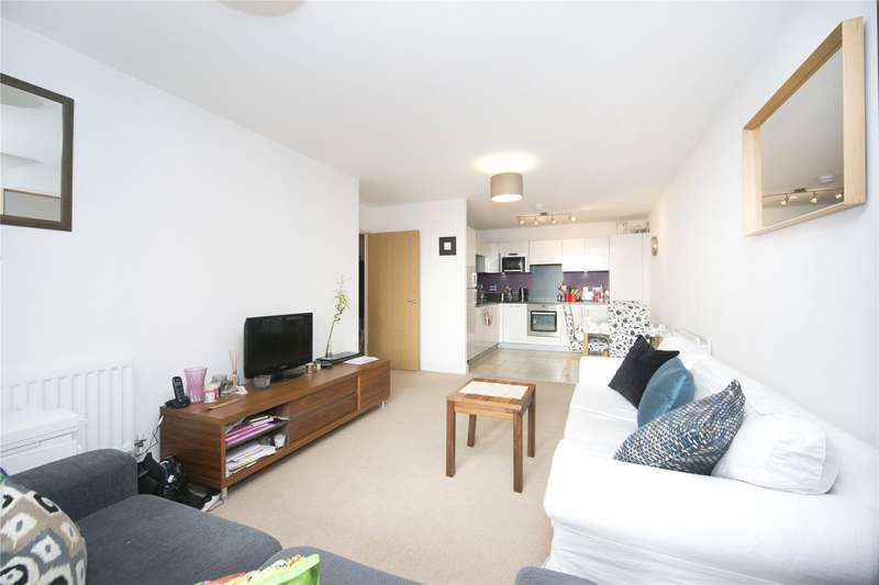 2 Bedrooms Flat for sale in Raddon Tower, Dalston Square, E8