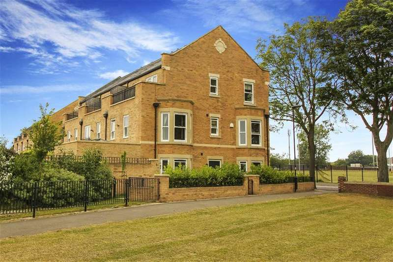 5 Bedrooms Terraced House for sale in St Leonards Court, North Shields, Tyne And Wear