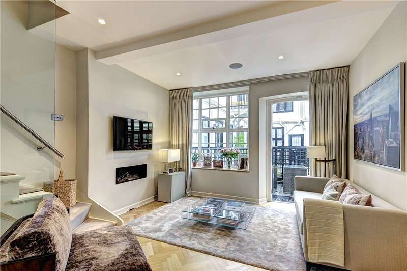 3 Bedrooms House for sale in De Vere Cottages, Canning Place, London, W8