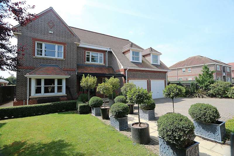 6 Bedrooms Detached House for sale in Knappswood Close, Upper Basildon, Berkshire