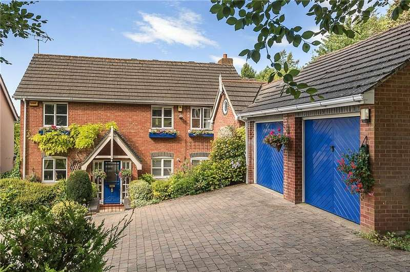 5 Bedrooms Detached House for sale in Falcon Rise, Downley, High Wycombe, Buckinghamshire, HP13