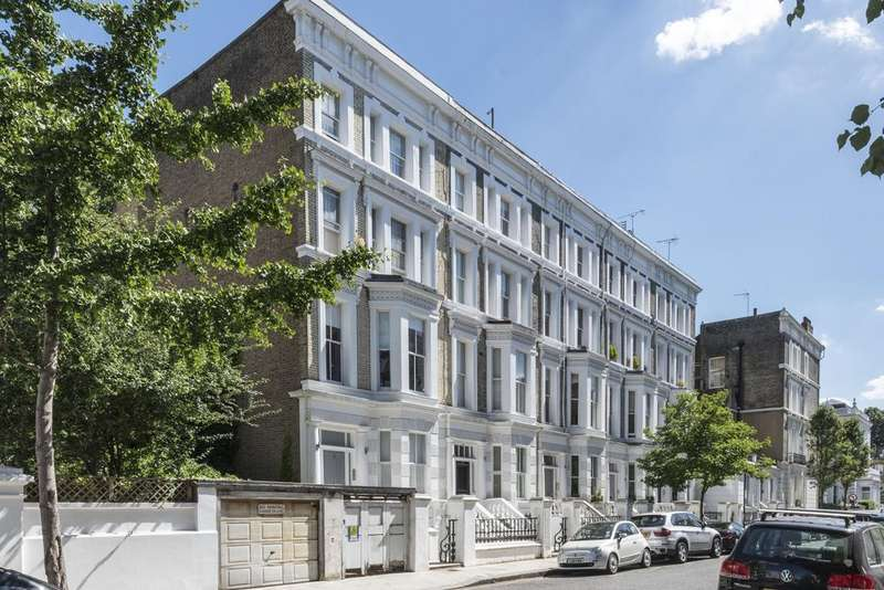 2 Bedrooms Flat for sale in Cathcart Road, Chelsea, London SW10