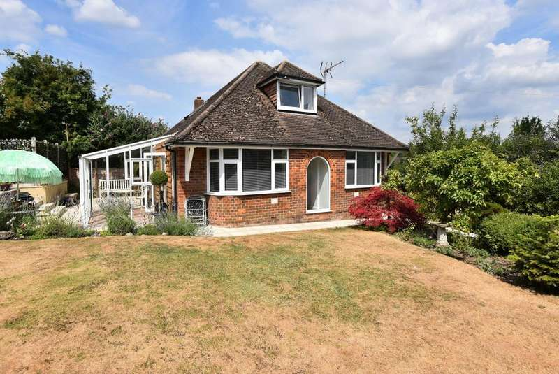 2 Bedrooms Detached Bungalow for sale in Kingsmead, High Wycombe, Buckinghamshire, HP11