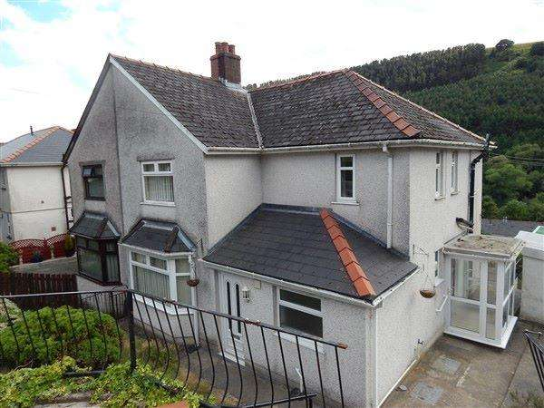 3 Bedrooms Semi Detached House for sale in Roseheyworth Road, Abertillery, NP13 1SB