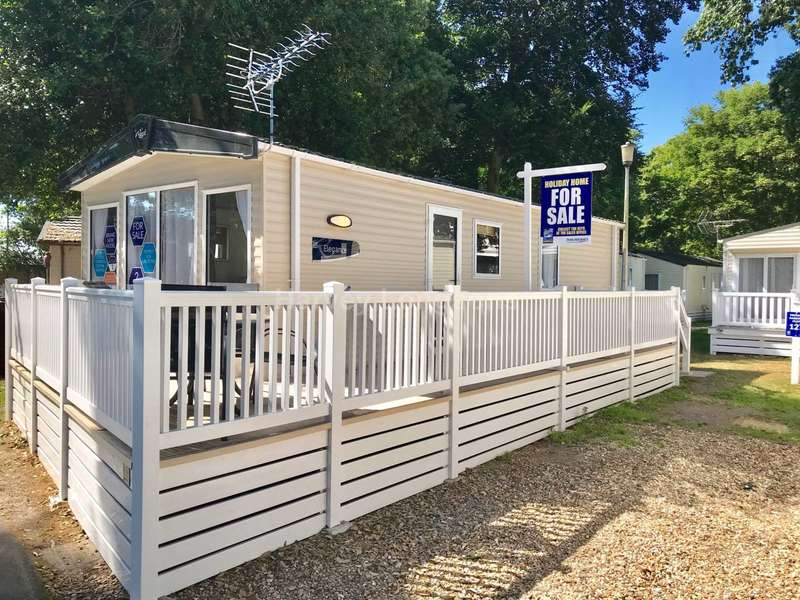 2 Bedrooms Caravan Mobile Home for sale in Mudeford,, Christchurch