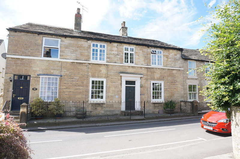 4 Bedrooms Terraced House for sale in High Street, Clifford, LS23