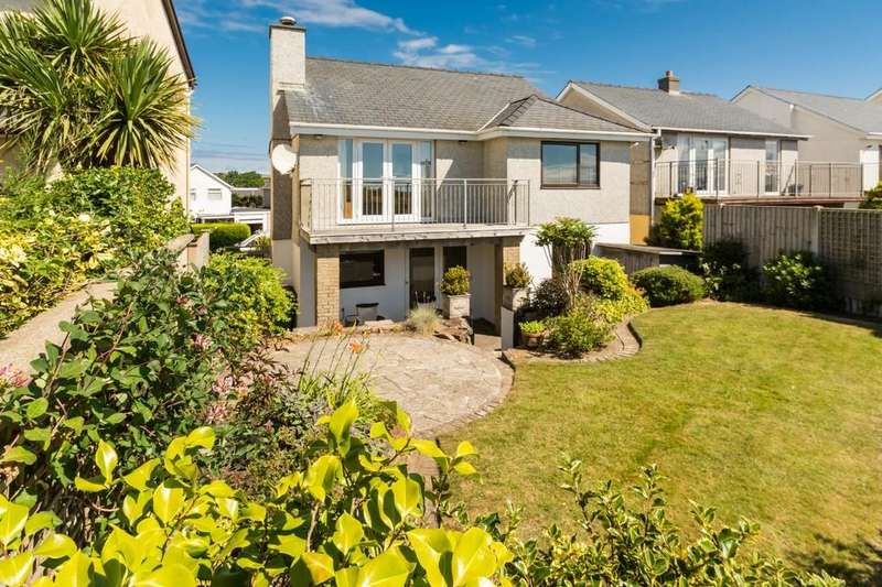 3 Bedrooms Detached House for sale in Bro Cymerau, Pwllheli, North Wales