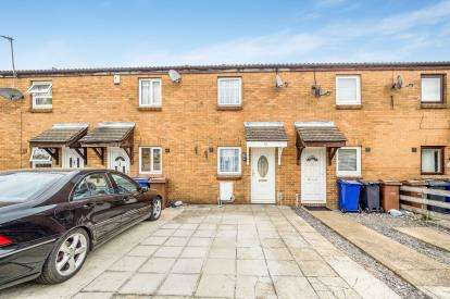 2 Bedrooms Terraced House for sale in Purfleet, South Ockendon, Essex
