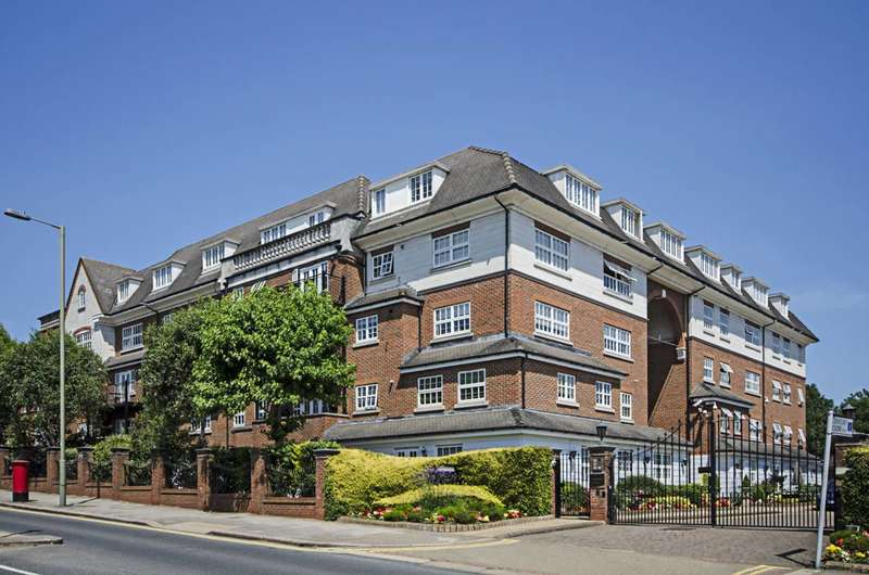 2 Bedrooms Flat for sale in Century Close, Hendon, NW4