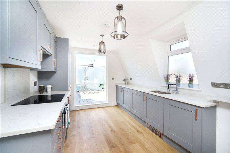 2 Bedrooms Maisonette Flat for sale in Adelaide Grove, Shepherds Bush, London, W12