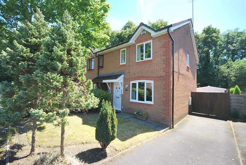 3 Bedrooms Semi Detached House for sale in Quarry Pond Road, Worsley, Manchester