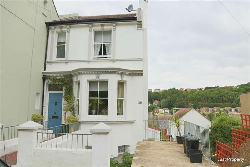 3 Bedrooms Town House for sale in Tackleway, Hastings