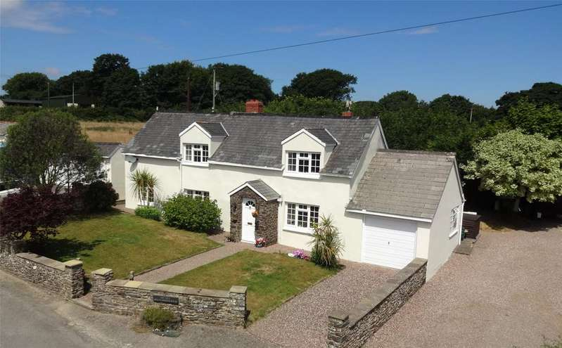 4 Bedrooms Detached House for sale in Woolsery, Bideford