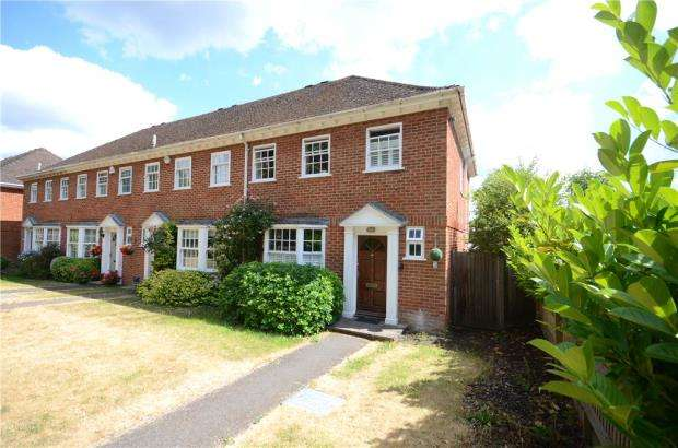 3 Bedrooms End Of Terrace House for sale in Grosvenor Road, Caversham, Reading