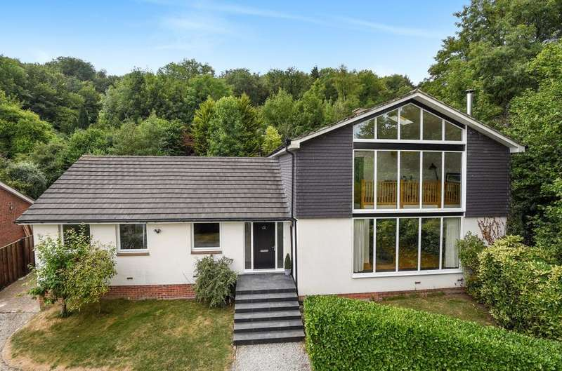 6 Bedrooms Detached House for sale in The Vale, Horndean, PO8