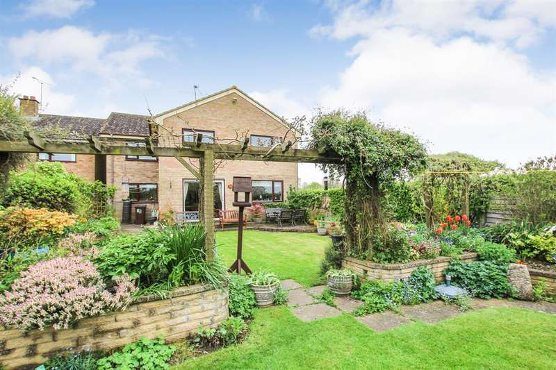 4 Bedrooms Detached House for sale in Baldway Close, Wingrave