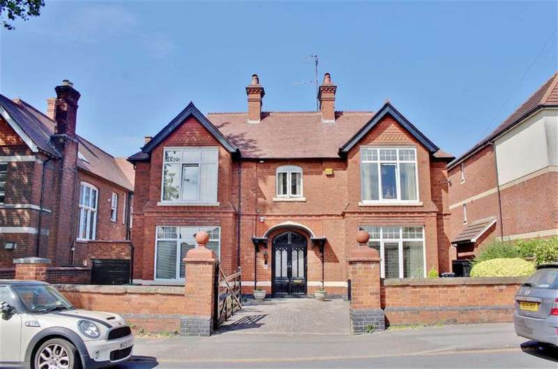 4 Bedrooms Detached House for sale in Denmark Road, Gloucester