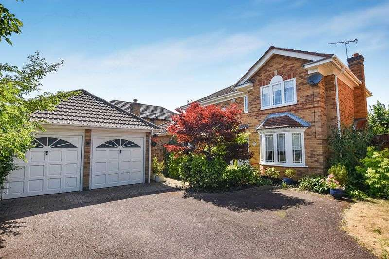 4 Bedrooms Property for sale in Pipits Croft, Bicester