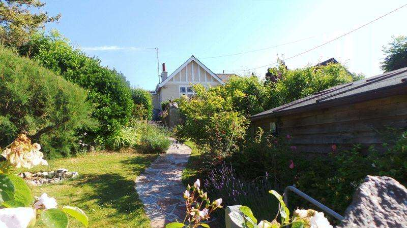 2 Bedrooms Detached Bungalow for sale in Porthcothan Bay, Padstow