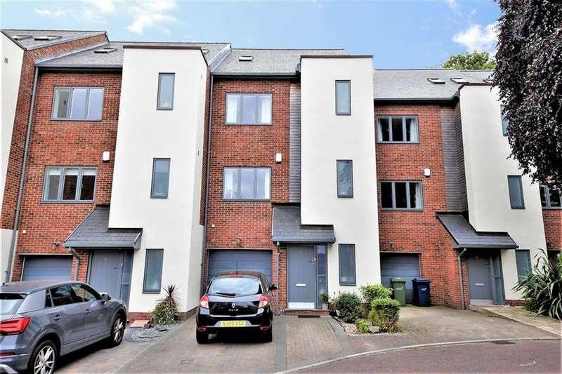 4 Bedrooms Town House for sale in Brookfield Gardens, Ashbrooke, Sunderland, SR2
