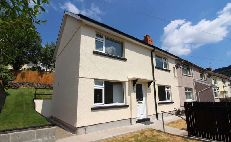 3 Bedrooms Semi Detached House for sale in Bryn Road, Abercarn