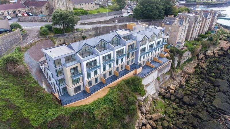 4 Bedrooms Property for sale in Marine Place Marine Parade, Clevedon