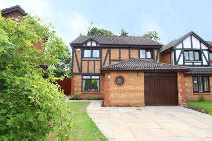 4 Bedrooms Detached House for sale in Tennent Park, Mid Calder