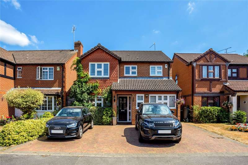 4 Bedrooms Detached House for sale in Earlsfield, Holyport, Maidenhead, Berkshire, SL6