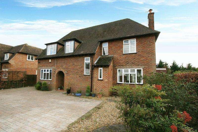 5 Bedrooms Detached House for sale in Fairfield Lane, Farnham Royal, Buckinghamshire SL2