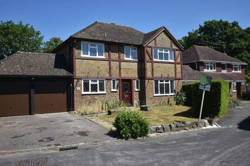4 Bedrooms Detached House for sale in Puttenham Road, Chineham